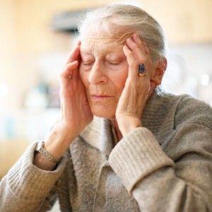 Хвороба альцгеймера: причини, перші ознаки, прояви, як лікувати
