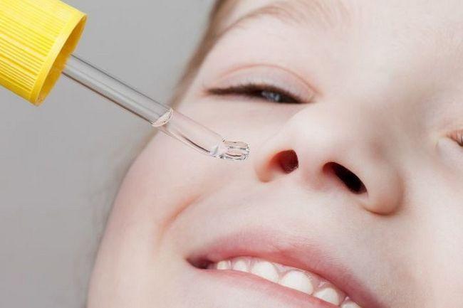 Чим промити ніс дитині