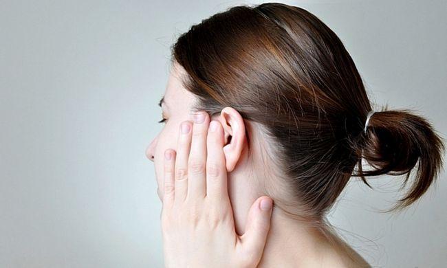 закладеність вуха