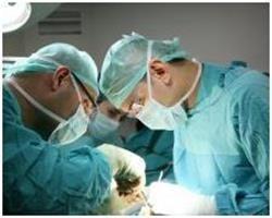Хірургічна операція на щитовидній залозі з видалення вузлів