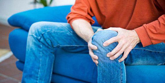 Через що можуть з`явитися болі в колінах
