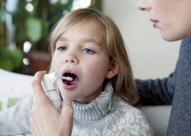 Застосування аерозолю від болю в горлі