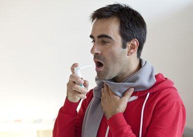 Зрошення горла спреєм
