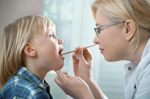 набряклості піднебінних мигдалин у дітей