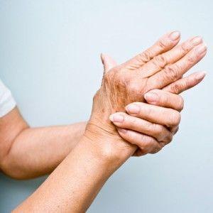 Лопаються судини на руках: можливі причини, лікування крихкості і ламкості капілярів