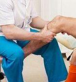 Медикаментозне та немедикаментозне лікування артриту колінного суглоба