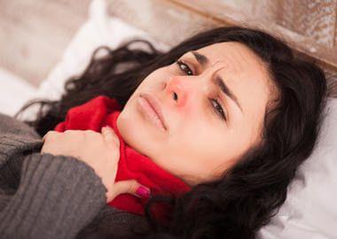 Болить горло при герпетичної фарингіті