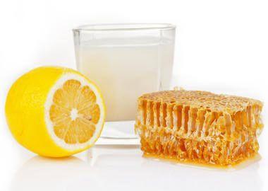 Молоко з медом і лимоном від горла