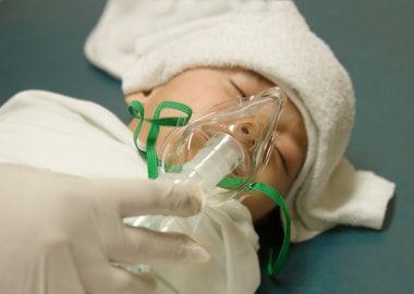 Інгаляція немовляті при хвороби горла