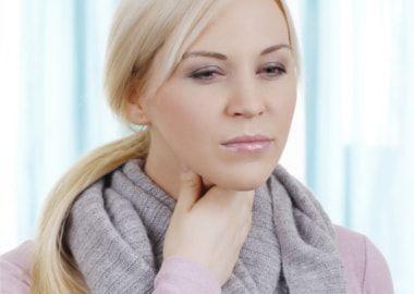 Біль в горлі при гострому ларингіті