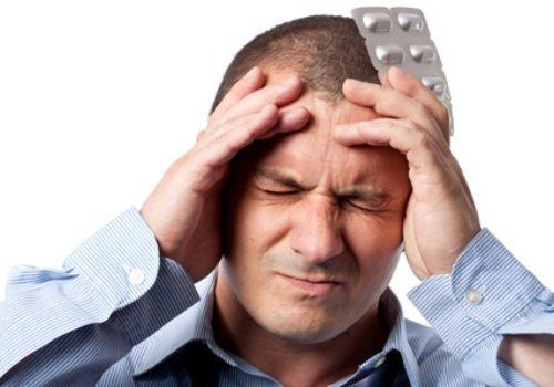 Голова болить