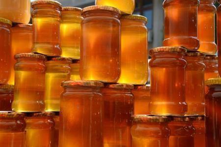 Скляна тара найкраще підходить для зберігання меду