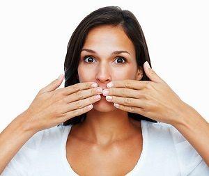 Причини появи неприємного запаху з рота