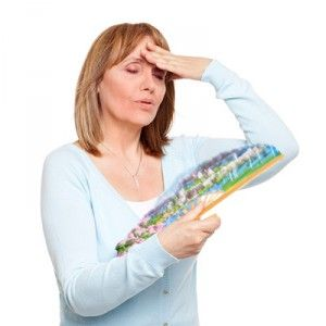 Припливи у жінок при клімаксі: причини, ознаки, як лікувати