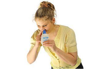 Промивання порожнини носа солоною водою