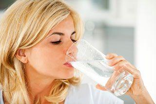 Шанкх пракшалана - очищення кишечника солоною водою