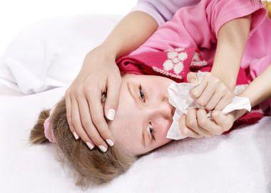 Нічний кашель у дівчинки при крупі