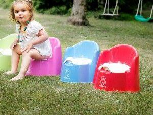 Світло жовтий стілець у дитини