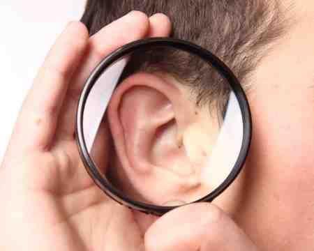 Запаленням зовнішнього слухового проходу