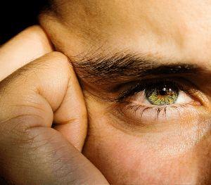 зелене око чоловіки