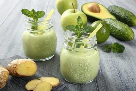 Смузі з авокадо і овочами